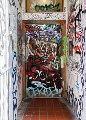 Foto op Aluminium Imagination Door graffiti