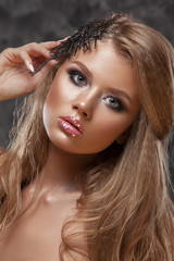 Beauty girl with beautiful make-up color .
