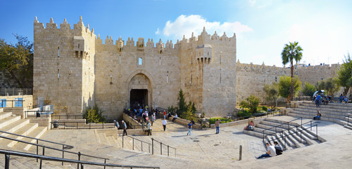 Spoed Foto op Canvas Monument Damascus gate, nord entrance in old part of Jerusalem, Israel