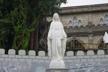 Скульптура девы Марии в Кафедральном Соборе в Нячанге, Вьетнам