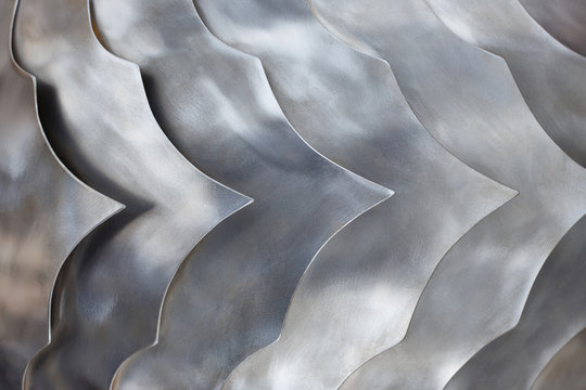 Steel squama pattern