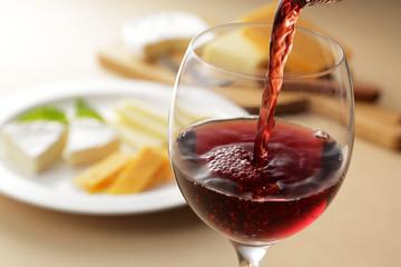 チーズとワイン Cheese and red wine
