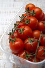 Cherry rispentomaten - Cherry vine tomatoes in a Box
