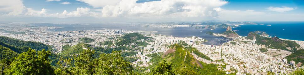 Sicht auf die Stadt Rio de Janeiro, Brasilien, mit Blick auf Zuckerhut, Copacabana, Ipanema, ...