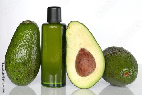 bio avocado oil in a green bottle stockfotos und lizenzfreie bilder auf bild. Black Bedroom Furniture Sets. Home Design Ideas