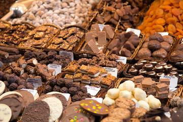 Süßwaren auf dem Boqueria Markt in Barcelona
