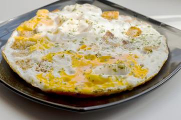 Foto op Canvas Gebakken Eieren fried eggs with toasts and chopped parsley