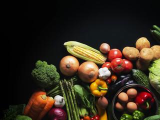 野菜・黒背景