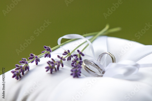 Eheringe An Lavendel Stock Photo And Royalty Free Images On Fotolia