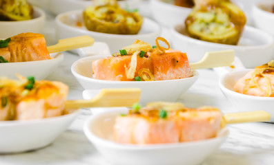 mini fingerfood buffet sticky smoked salmon