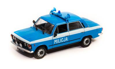 Model starego polskiego samochodu policyjnego - Milicja FSO 125p