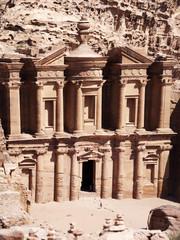 Giordania, sito archeologico di Petra, 02/10/2013: il Monastero, conosciuto come Ad Deir o El Deir, il famoso monumento scavato nella roccia nell'antica città rosa dei Nabatei