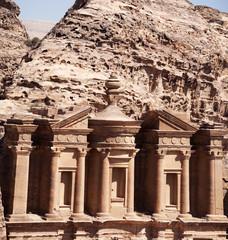 Giordania, sito archeologico di Petra, 02/10/2013: il frontone del Monastero, conosciuto come Ad Deir o El Deir, il famoso monumento scavato nella roccia nell'antica città rosa dei Nabatei