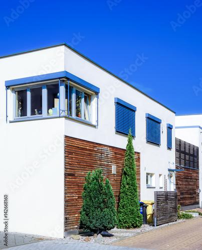 Modernes wohnhaus stok g rseller ve telifsiz g rseller for Modernes wohnhaus