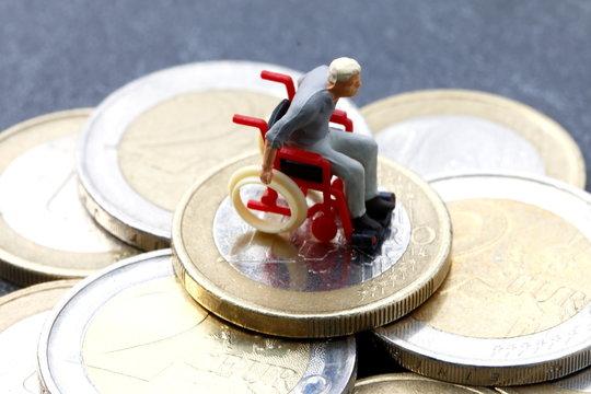 Rollstuhlfahrer, teure Behinderung