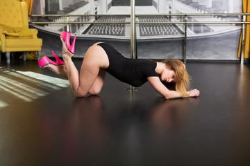 Pretty dancer in the studio
