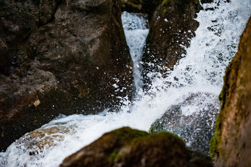 Wildwasser, Stromschnellen, Wasserfälle