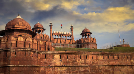 Foto auf Leinwand Befestigung Red Fort Delhi at sunset - A UNESCO world heritage site and a former residence of the emperors of the Mughal dynasty for over 200 years.