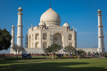 Fototapete - Taj Mahal Agra - A  beautiful white marble mausoleum built on the banks of river Yamuna by Mughal emperor Shah Jahan.