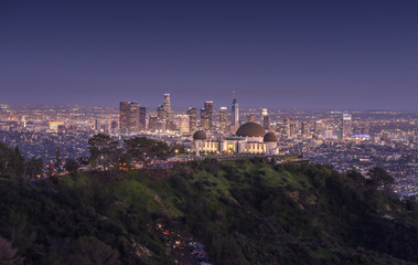 Griffith Observatory and downtown Los Angeles at night Fototapete