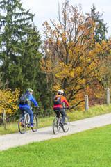 entspannte Tour mit dem Bike im Herbst