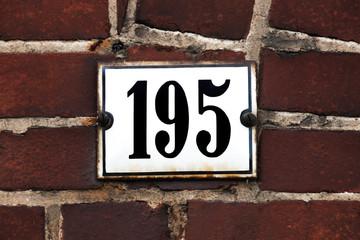 Hausnummer 195