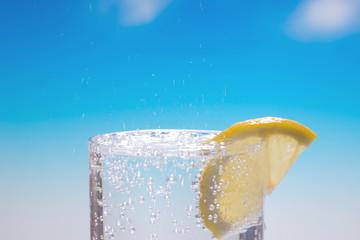夏のイメージ炭酸水