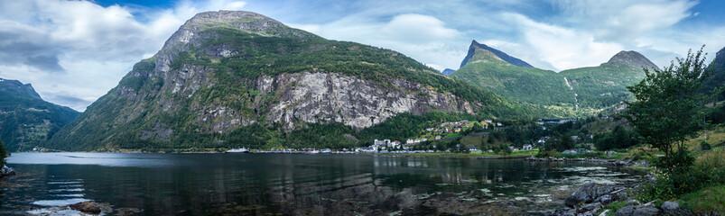 Mit dem Wohnmobil durch Norwegen - Geiranger Fjord Panorama
