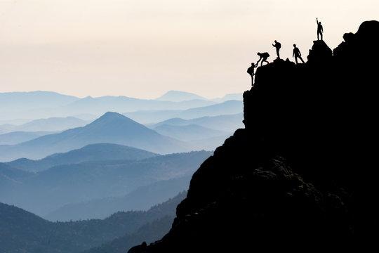 kaya tırmanışı & dağcılık & dağcı yardımlaşması