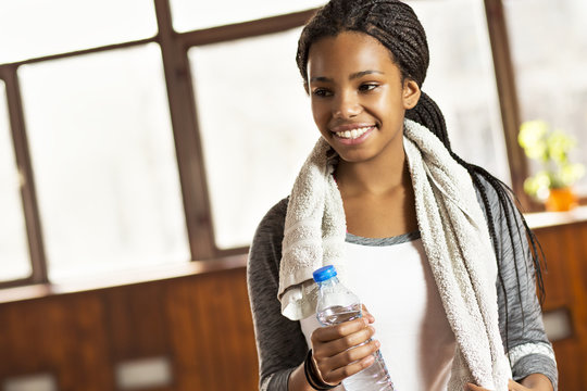 Beautiful young girl in a gym.