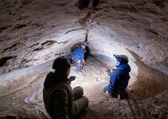 Family speleotourists