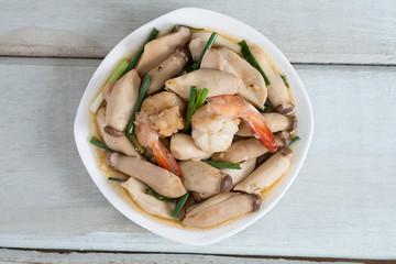 Stir-fried shrimp with pleurotus eryngii. Top view.