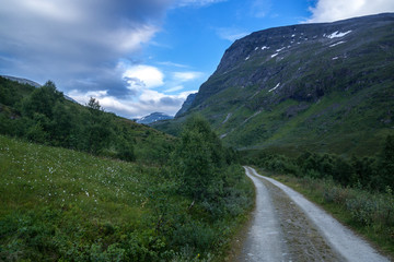 Wandern in Norwegen - in der Nähe von Geiranger Fjord