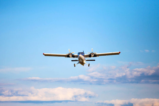 landing plane small