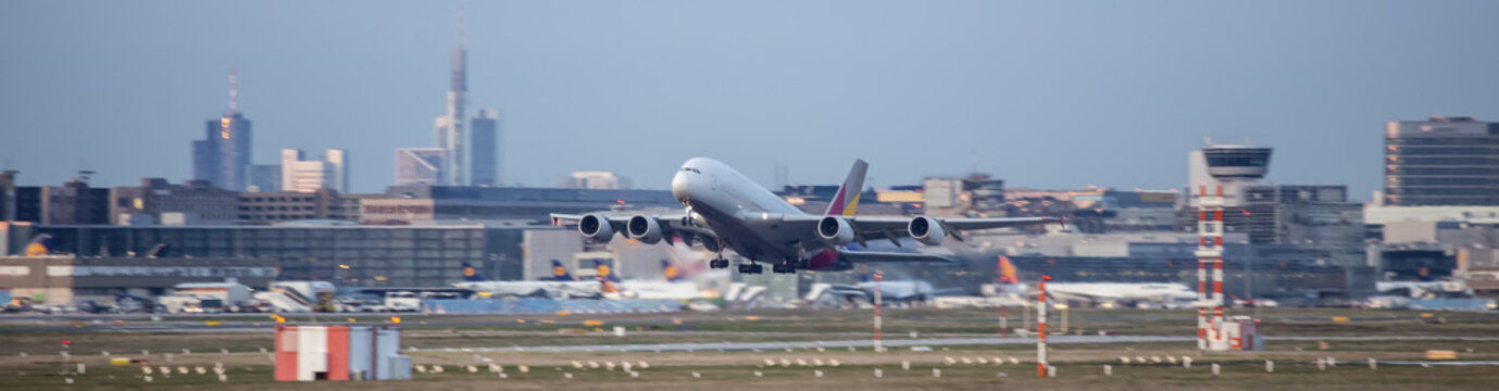 starting airplane frankfurt airport germany