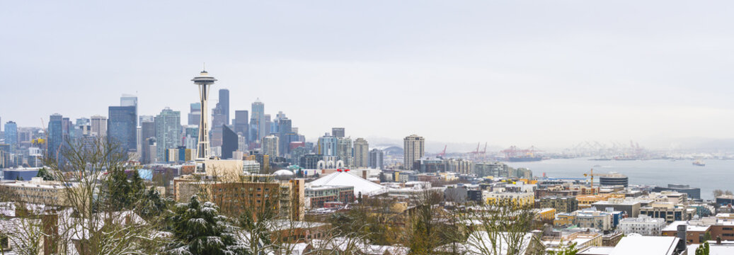 Seattle,Washington,usa.12/09/16 :seattle city scape with snow covered on the day.