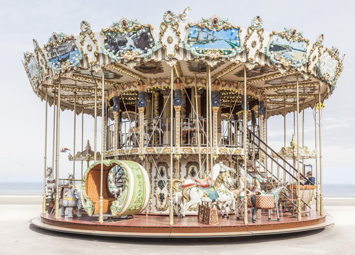 Carrousel 1