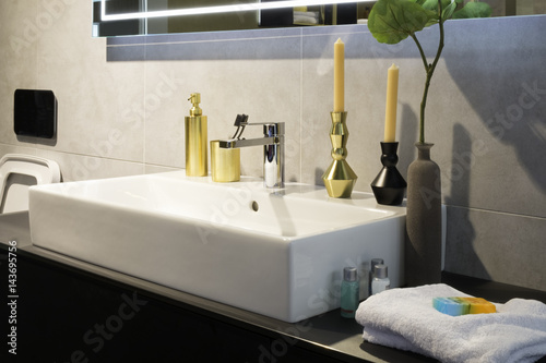 Bathroom candles and accessories