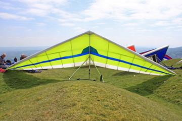Fototapete - Hang Gliders prepared to fly