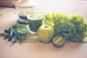 Cooking of green smoothie