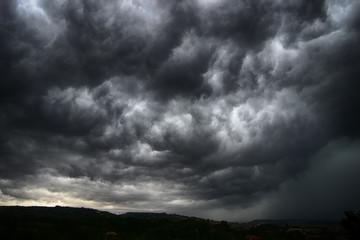 Cielo tempestoso e cielo drammatico