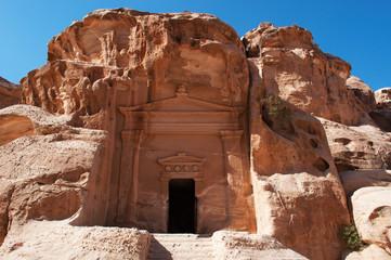 Parco Archeologico di Petra, 02/10/2013: tomba palazzo a Beida, la piccola Petra, nota come Siq al-Barid, sito archeologico nabateo con edifici scavati nelle pareti dei canyon di arenaria