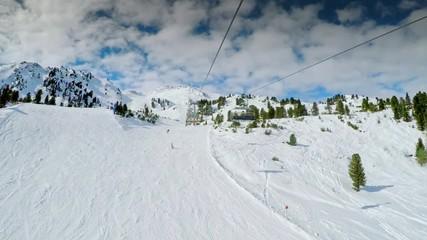 Fototapete - People skiing in famous ski resort Zillertal in Tyrolian Alps, Austria