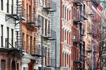 Fototapete - Colorful row of buildings East Village of Manhattan New York City NYC
