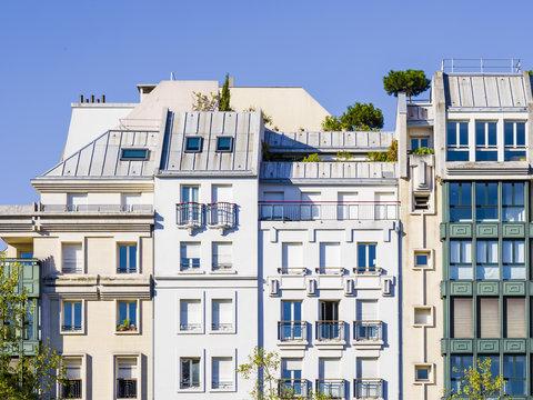 immeubles modernes à Paris