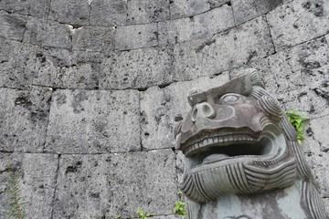 守り犬シーサーのつぶやき彫像
