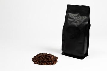 confezione di caffe ancora da macinare