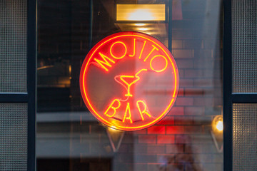 Mojito Bar neon sign