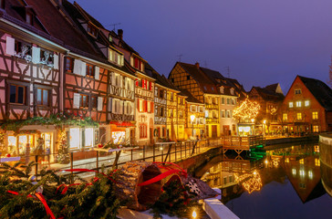 Papiers peints Europe du Nord French city Colmar on Christmas Eve.