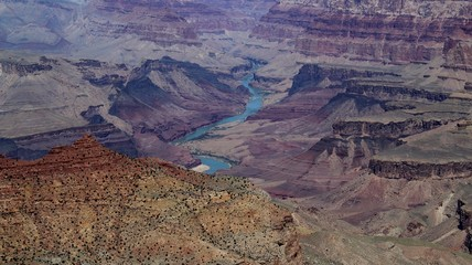 Colorado River fließt durch Grand Canyon Nationalpark